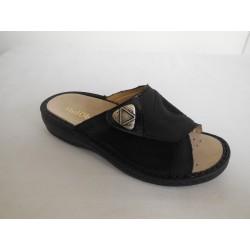 MufObuv 8935T dámský pantofel černá